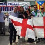 Flash mob per l'indipendenza della Lombardia davanti al Pirellone