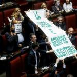 Legittima difesa: Molteni: bocciata legge Lega. Pd vergognoso ne risponderà di fronte a vittime